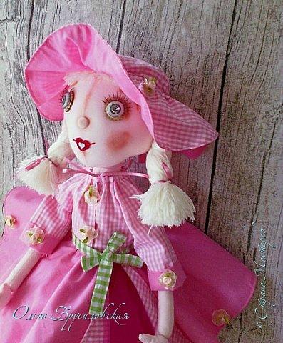 """Привет всем в СМ!!! Кукломания - болезнь! Болезнь творческая!!! И я счастлива, что болею этой болезнью!!! Моя новая куколка Розочка! Я и шила ее как куклу-цветок для конкурса в Инстаграм """"Куколка-цветочек"""", ну и имя у нее, конечно, Розочка! Именно Розочка, а не просто Роза. фото 6"""