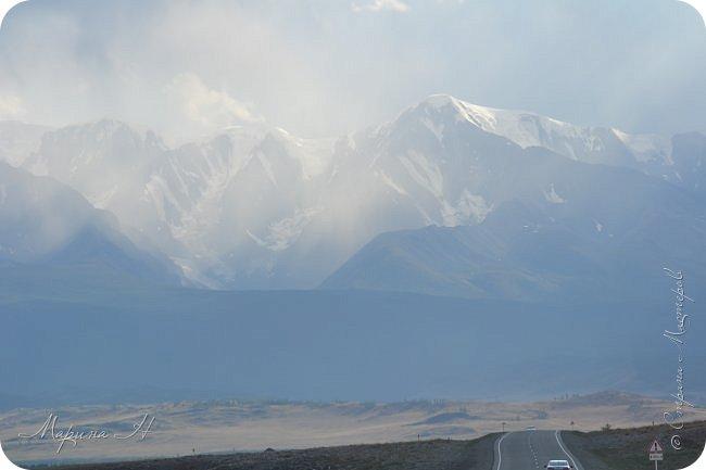 28го июля мы решили проехать до самой дальней точки нашего маршрута по Чуйскому тракту. Доехать планировалось до Кош-Агача. Это примерно 50 км не доезжая до границы с Монголией. Погода и природа радовали нас и восхищали. Предлагаю полюбоваться пейзажами фото 32