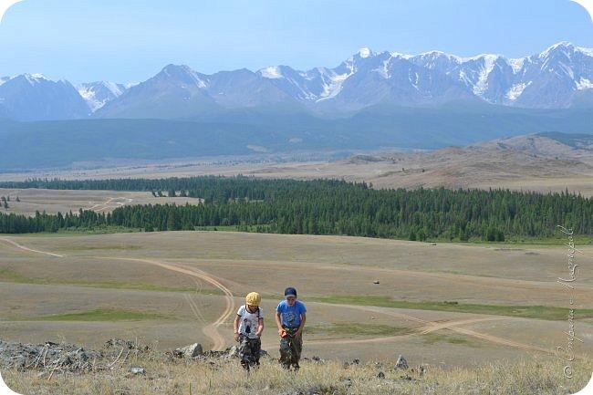 28го июля мы решили проехать до самой дальней точки нашего маршрута по Чуйскому тракту. Доехать планировалось до Кош-Агача. Это примерно 50 км не доезжая до границы с Монголией. Погода и природа радовали нас и восхищали. Предлагаю полюбоваться пейзажами фото 13