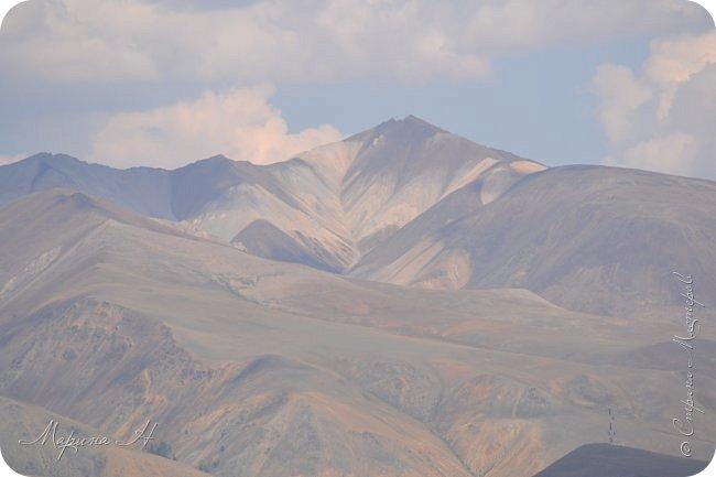 28го июля мы решили проехать до самой дальней точки нашего маршрута по Чуйскому тракту. Доехать планировалось до Кош-Агача. Это примерно 50 км не доезжая до границы с Монголией. Погода и природа радовали нас и восхищали. Предлагаю полюбоваться пейзажами фото 25