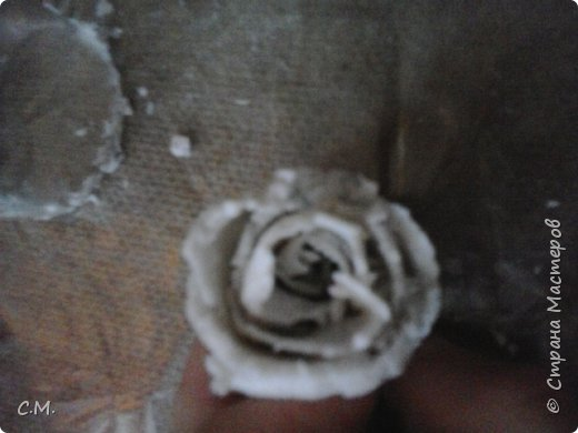 Здравствуйте.Вот и еще одна из моих работ в технике папье-маше (бумажная лепка).Хотелось сделать что-то необычное.И родилась вот такая идея-классика с особым смыслом.Этот образ олицетворяет  легкость, пробуждение,возродение, расцвет и свежесть. фото 18