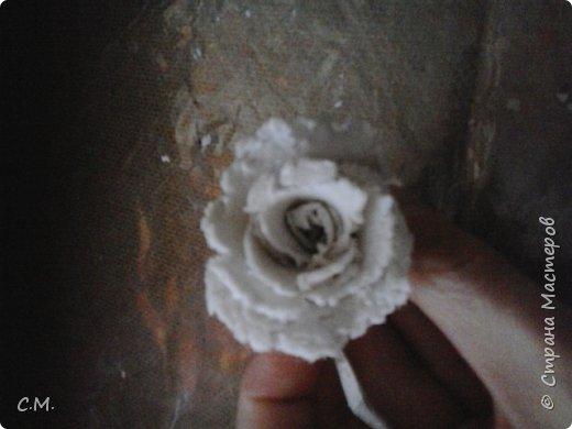 Здравствуйте.Вот и еще одна из моих работ в технике папье-маше (бумажная лепка).Хотелось сделать что-то необычное.И родилась вот такая идея-классика с особым смыслом.Этот образ олицетворяет  легкость, пробуждение,возродение, расцвет и свежесть. фото 19