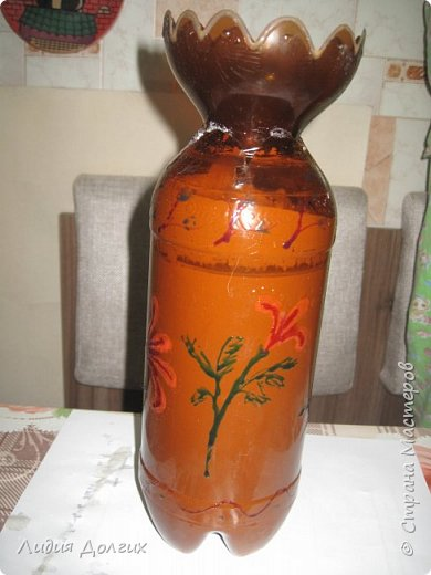 """Вот такую вазу с цветами Анюта почти самостоятельно сделала для конкурса """" Мусору-вторую жизнь"""" фото 7"""