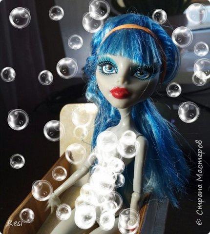 """Привет)  Недавно, перебирая своих старых кукол наткнулась на свою самую любимую и самую первую куколку Гуляшку из серии Ночная жизнь.  Заиграная, пыльная она """"живёт"""" у меня с конца 2013 (или с начала 14) года.  Срок немаленький, поетому волосы (да и сама кукла) давно перестали выглядеть презентабельно.  Роясь на форумах колекционеров барби и мх, нашла несколько способов восстановления волос, и выбрала наиболее доступные, простые и эффективные для меня и для Вас. Вот и об этом будет мой сегодняшний блог)   фото 6"""