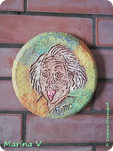 """Всем привет! Сегодня я с ключницей, созданной по мотивам знаменитого мультфильма """"Жил-был пёс"""" 1982 года ). Выполнена на гипсовой отливке в технике папье-маше. Роспись акриловыми красками. Фото - до покрытия акриловым лаком. Как-то я уже делала похожую ключницу, она тут -  http://stranamasterov.ru/node/714379    ))). фото 5"""