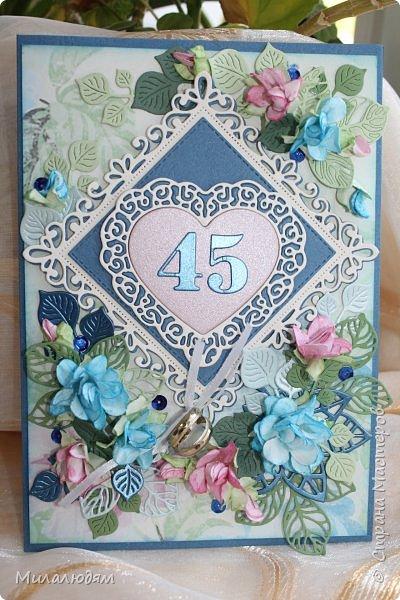 Всем здравствуйте! Вызвалась я сделать открытку на Сапфировую свадьбу, 45 лет совместной жизни. Сапфир синий камень, вот и больше сине-голубых тонов. фото 2