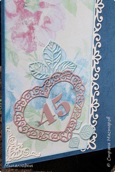 Всем здравствуйте! Вызвалась я сделать открытку на Сапфировую свадьбу, 45 лет совместной жизни. Сапфир синий камень, вот и больше сине-голубых тонов. фото 17