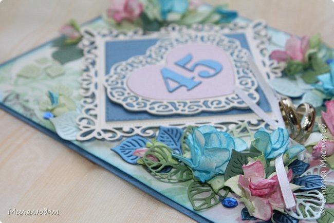 Всем здравствуйте! Вызвалась я сделать открытку на Сапфировую свадьбу, 45 лет совместной жизни. Сапфир синий камень, вот и больше сине-голубых тонов. фото 11