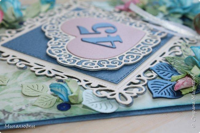 Всем здравствуйте! Вызвалась я сделать открытку на Сапфировую свадьбу, 45 лет совместной жизни. Сапфир синий камень, вот и больше сине-голубых тонов. фото 14