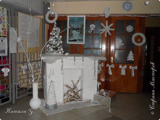 Новогодний интерьер  в белом  цвете фото 1