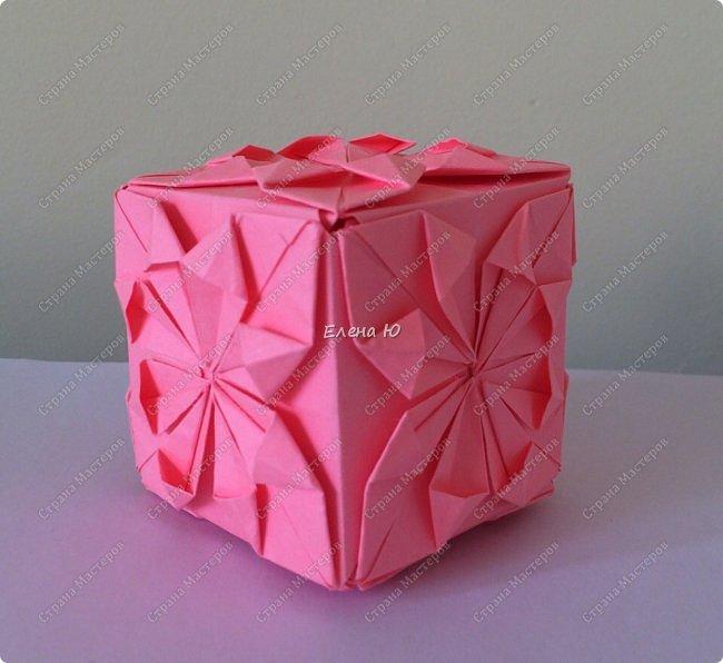 Оригинальный  куб  с рисунком модуля классической кусудамы очень приятно и быстро собирается, но нужны некоторые навыки в этом деле:  фото 1