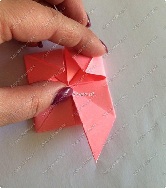 Оригинальный  куб  с рисунком модуля классической кусудамы очень приятно и быстро собирается, но нужны некоторые навыки в этом деле:  фото 17
