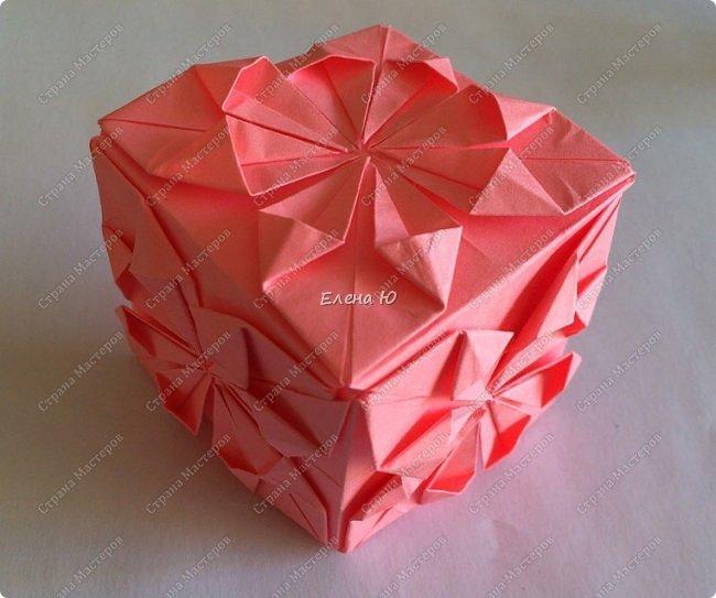 Оригинальный  куб  с рисунком модуля классической кусудамы очень приятно и быстро собирается, но нужны некоторые навыки в этом деле:  фото 2