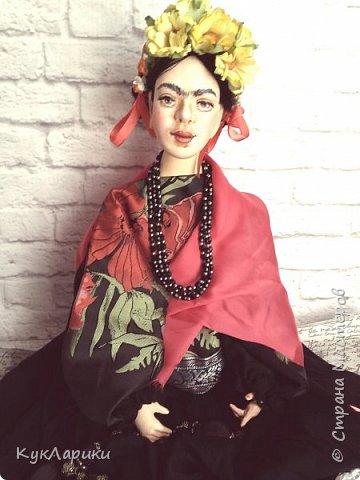 Фрида Кало.Известная мексиканская художница,с очень сложной судьбой!Яркая и сильная,она до сих пор является вдохновением для поэтов,художников и кукольников. фото 3