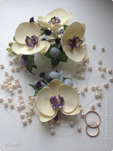 Комплект с цветами Орхидея Фалеонопсис, ягодками Брунии и цветочками Гипсофилы. Вот такая сиреневая мечта была у девушки Елены.  фото 13