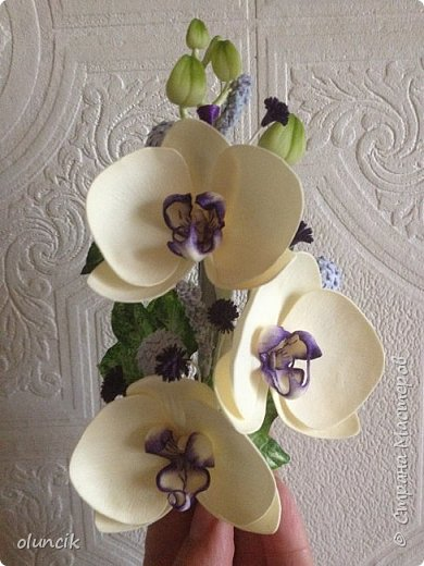 Комплект с цветами Орхидея Фалеонопсис, ягодками Брунии и цветочками Гипсофилы. Вот такая сиреневая мечта была у девушки Елены.  фото 7