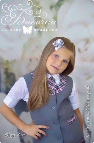 Украшения под школьную форму в серо-розовой гамме. Очень популярное сочетание в этом сезоне фото 9
