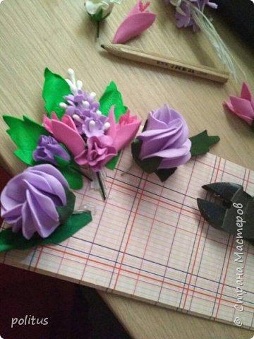 Решила сделать конвертик для денег на свадьбу друзей сама, поискала идеи в инете  и решила, что есть отличное применение цветочкам, которые не попали в ободки. фото 5