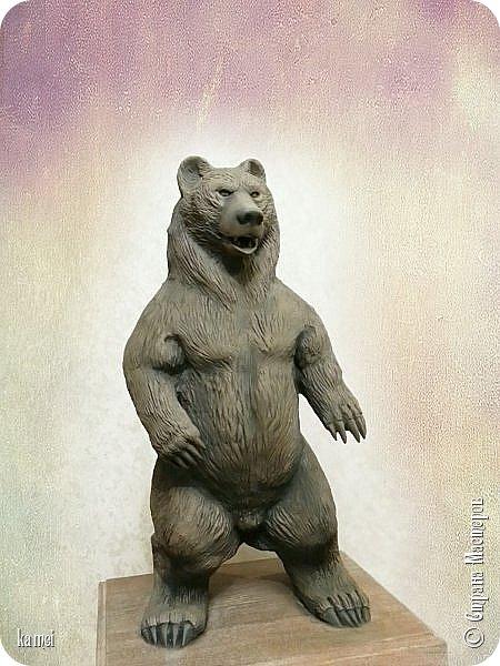 Велес – славянский бог-оборотень, бог-мудрец, покровитель искусств, владыка чародейства. .  Велесу нет равных во владении тайными знаниями, благодаря которым этот бог способен подчинять себе стихии и изменять законы мироздания.  Людям чаще всего являлся в образе медведя. Вообщем - НЕ БУДИТЕ РУССКОГО МЕДВЕДЯ.... фото 2