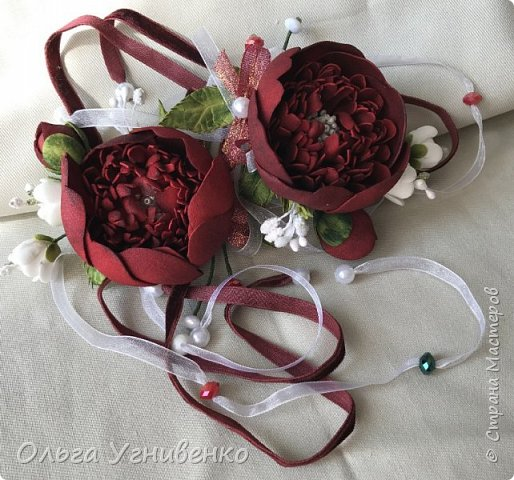 Приветствую всех жителей и гостей прекрасной СТРАНЫ МАСТЕРОВ!! Представляю Вам браслеты и кольца для подружек невесты (заказ). Цветы выполнены из фома, украшены бисером, бусинами и ленточками. фото 3