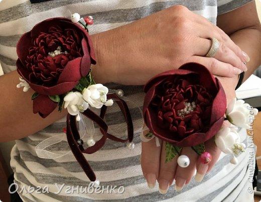 Приветствую всех жителей и гостей прекрасной СТРАНЫ МАСТЕРОВ!! Представляю Вам браслеты и кольца для подружек невесты (заказ). Цветы выполнены из фома, украшены бисером, бусинами и ленточками. фото 7