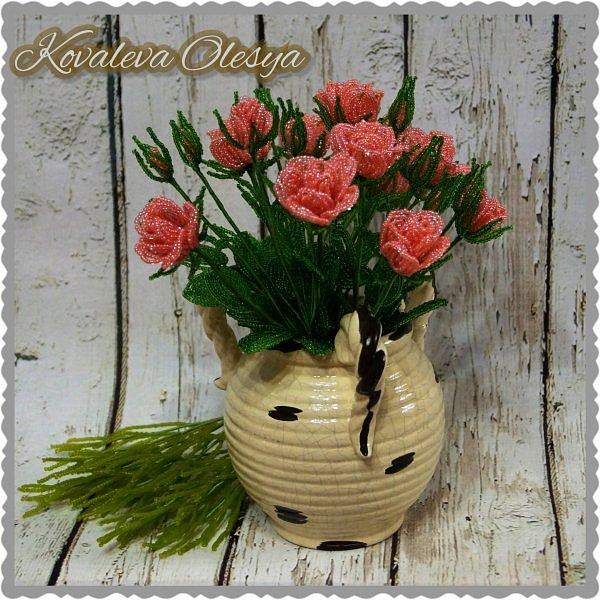 Кустовая роза из бисерв фото 5