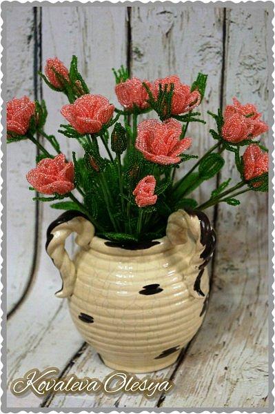 Кустовая роза из бисерв фото 3