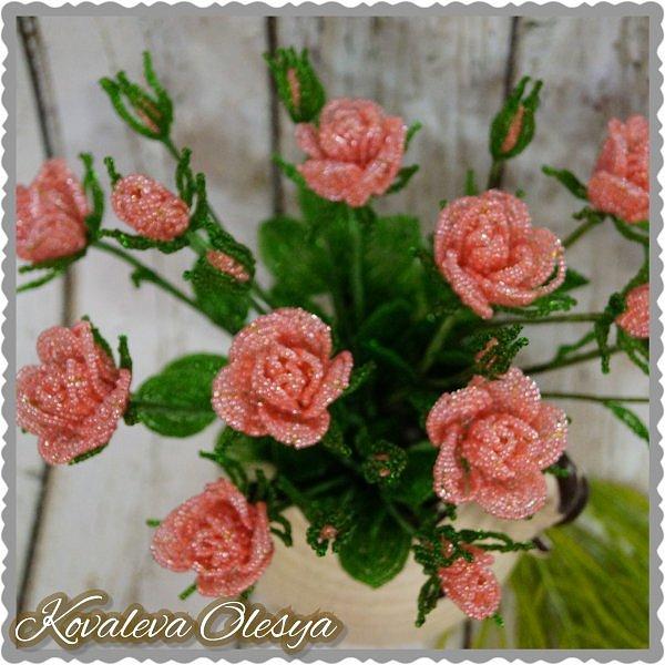 Кустовая роза из бисерв фото 4