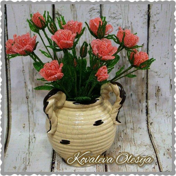 Кустовая роза из бисерв фото 6