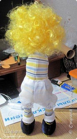 Кукла 30 см. Самостоятельно стоит, сидит, ручки и ножки подвижны на проволоке. Голова, руки из капрона, тело и ножки из ткани.  фото 6