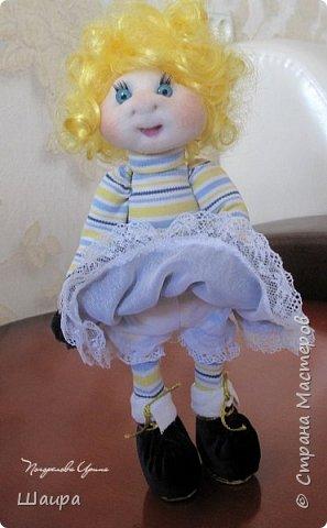 Кукла 30 см. Самостоятельно стоит, сидит, ручки и ножки подвижны на проволоке. Голова, руки из капрона, тело и ножки из ткани.  фото 8