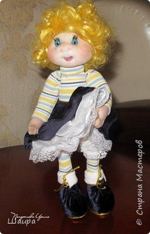 Кукла 30 см. Самостоятельно стоит, сидит, ручки и ножки подвижны на проволоке. Голова, руки из капрона, тело и ножки из ткани.  фото 9