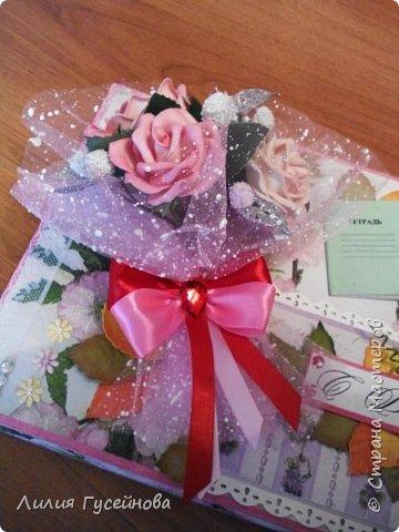Скоро 1 сентября, решили в этом году подарить нашей учительнице коробку конфет merci. Взяли большую. Долго думали как оформить. Вот что получилось. фото 7