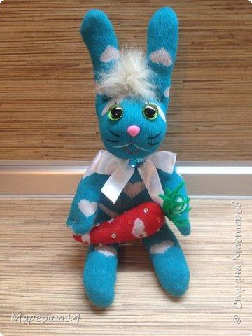 Приветствую всех жителей Страны Мастеров!!! Показываю разные игрушки сшитые из носков. Кошечки - две  подружки. фото 7