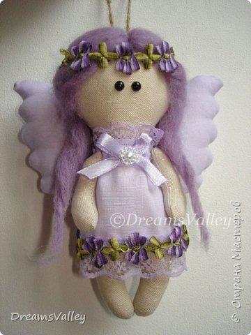 Это моя первая интерьерная куколка. Вдохновение пришло ко мне внезапно. Выкройку сделала сама. Сшился ангелок на одном дыхании. Получила просто невероятный кайф от работы. Всегда бы так! фото 1