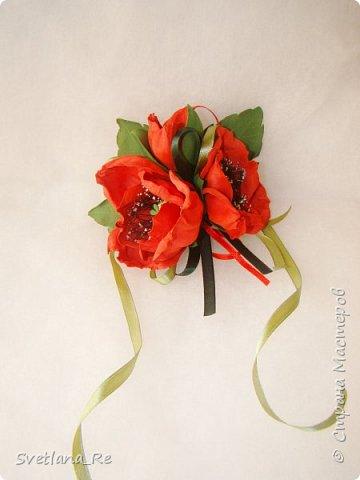 В этих украшениях моя подруга выходила замуж ) Слева - брошь на пояс платья Правее - заколочка в волосы. Она укладывалась плотно по голове с одной стороны фото 4