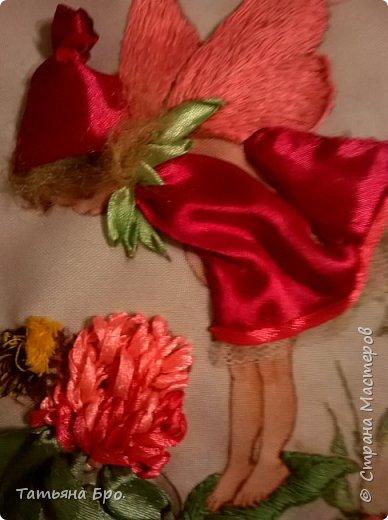 Вышивала по гобелену нитками мулине и лентами. фото 2