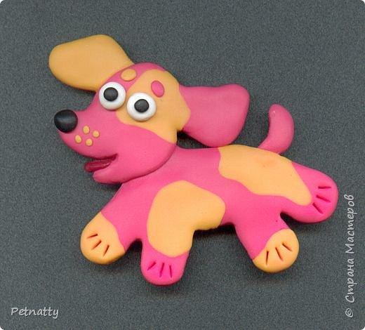 Собачки - магниты на холодильник из запекаемой пластики (цернит). Делала 12 лет назад к новому году (тогда был год красной собаки). фото 5