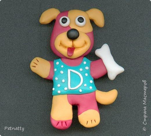 Собачки - магниты на холодильник из запекаемой пластики (цернит). Делала 12 лет назад к новому году (тогда был год красной собаки). фото 7