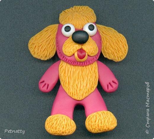 Собачки - магниты на холодильник из запекаемой пластики (цернит). Делала 12 лет назад к новому году (тогда был год красной собаки). фото 12