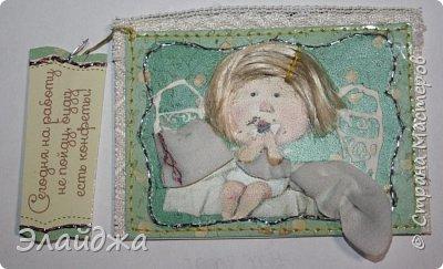"""Привет всем! Сегодня я с АТС серией, которая родилась спонтанно увидев работы мастерицы ИРИСКА 2012 , ее серию """"Счастье"""" (http://stranamasterov.ru/node/1109851). Я вспомнила, что у меня тоже есть 3 такие открыточки с картинками художницы Евгении Гапчинской , их в коробках конфет находят, есть такая серия.... Раньше их крутила-вертела и все не могла понять что с ними делать...видать всему свое время. Ириша спасибо за творческий толчек. фото 10"""