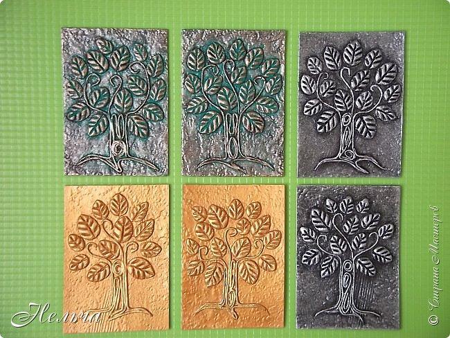 Очень мне понравились деревья у Дижи и решила я тоже сделать деревья. Теперь у меня будет пара к её деревцу. Ствол и веточки из салфеточных жгутиков, листочки из солёного теста. Два дерева - золотых, два - серебряных, и два - бронзовых.  фото 1