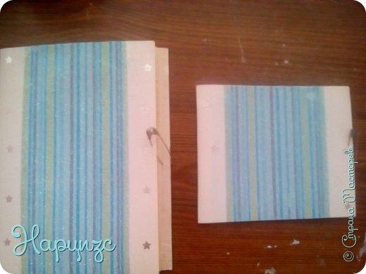 Большой блокнот-для рецептов,сделан из старой телефонной книги и открытки,маленький из той же открытки и листков. фото 1