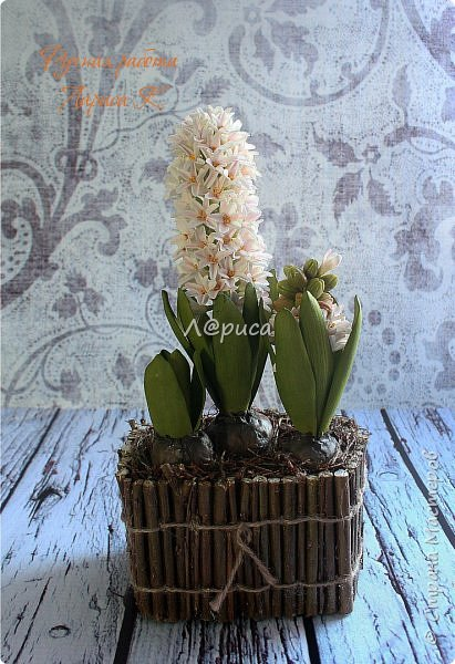 Композиция с гиацинтов, цветочки и листочки из фоамирана. фото 1
