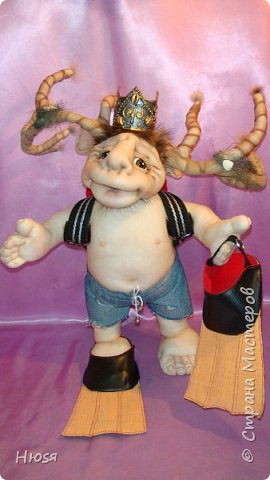 """Кукла пошита в  технике """" скульптурный текстиль"""". Материал: капрон, синтепон . Размер: 43 см + РОГА= 50 см. Обнимается и целуется, позитивный и обаятельный!!! фото 1"""