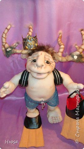 """Кукла пошита в  технике """" скульптурный текстиль"""". Материал: капрон, синтепон . Размер: 43 см + РОГА= 50 см. Обнимается и целуется, позитивный и обаятельный!!! фото 13"""