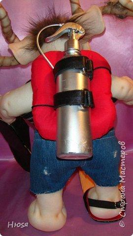 """Кукла пошита в  технике """" скульптурный текстиль"""". Материал: капрон, синтепон . Размер: 43 см + РОГА= 50 см. Обнимается и целуется, позитивный и обаятельный!!! фото 6"""