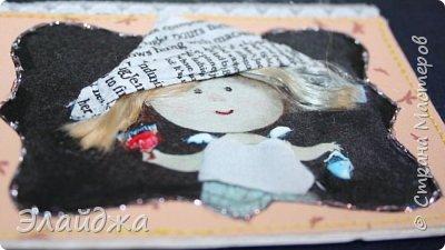 """Привет всем! Сегодня я с АТС серией, которая родилась спонтанно увидев работы мастерицы ИРИСКА 2012 , ее серию """"Счастье"""" (http://stranamasterov.ru/node/1109851). Я вспомнила, что у меня тоже есть 3 такие открыточки с картинками художницы Евгении Гапчинской , их в коробках конфет находят, есть такая серия.... Раньше их крутила-вертела и все не могла понять что с ними делать...видать всему свое время. Ириша спасибо за творческий толчек. фото 18"""