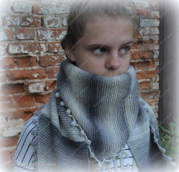 К осени связала несколько удобных и теплых шарфов-бактусов. фото 9