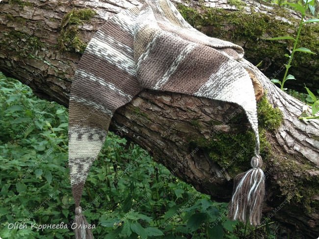 К осени связала несколько удобных и теплых шарфов-бактусов. фото 5